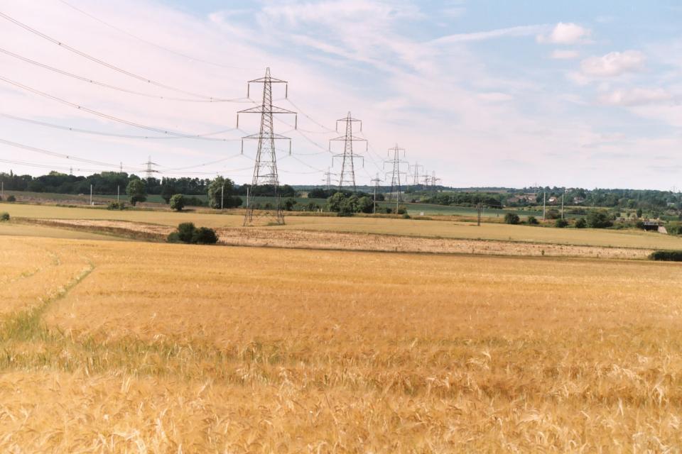 Lowland Village Farmlands + Towards Railway Line from Hitchin Road, Great Wymondley, Hertfordshire (© HCC Landscape)