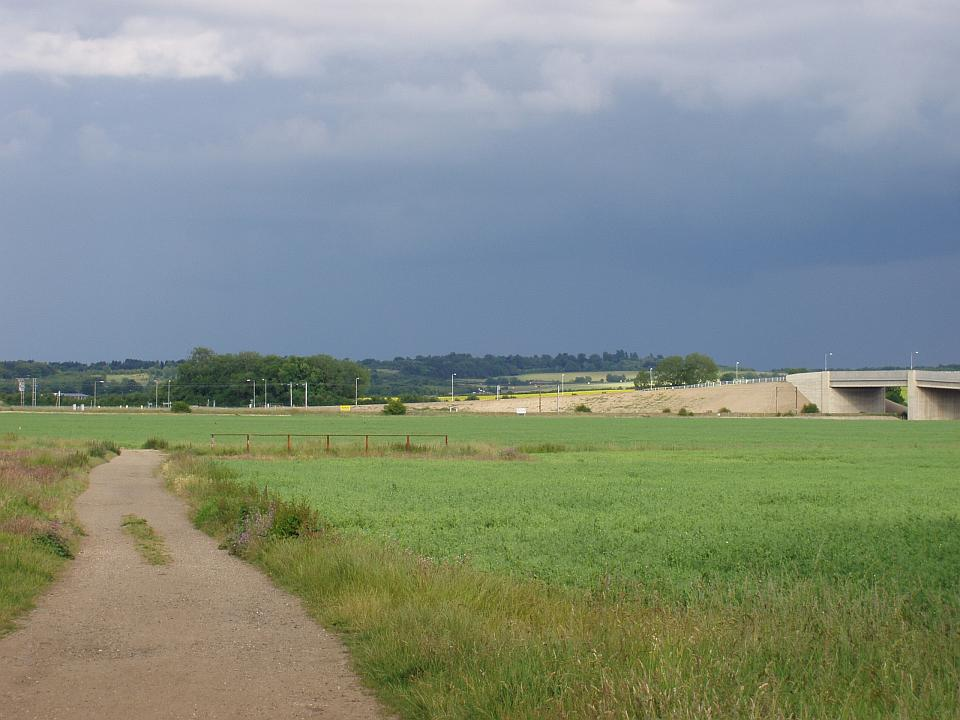 Lowland Village Farmlands +  View near Trumpington, Cambs, looking towards Chalk Scarp. (© Geo-East)
